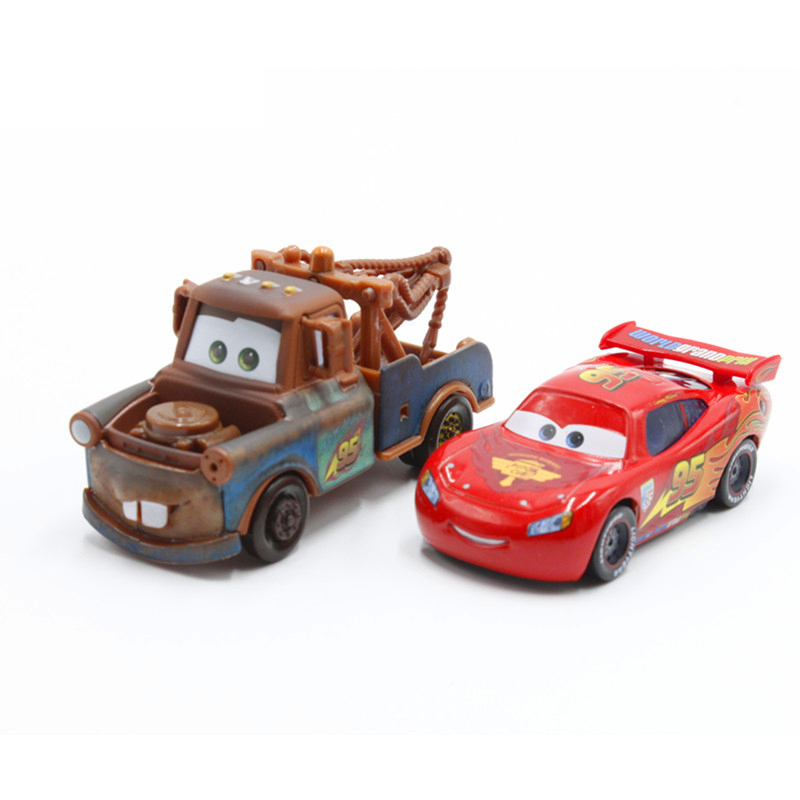 Disney Pixar Cars 2 Lightning Mcqueen Mater 1 55 Diecast Metal