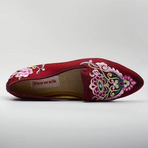 Image 3 - Veowalk/женские весенние балетки ручной работы с красивой вышивкой в народном стиле; Удобная обувь из мягкой парусины для женщин; Туфли на плоской подошве в стиле старого Пекина