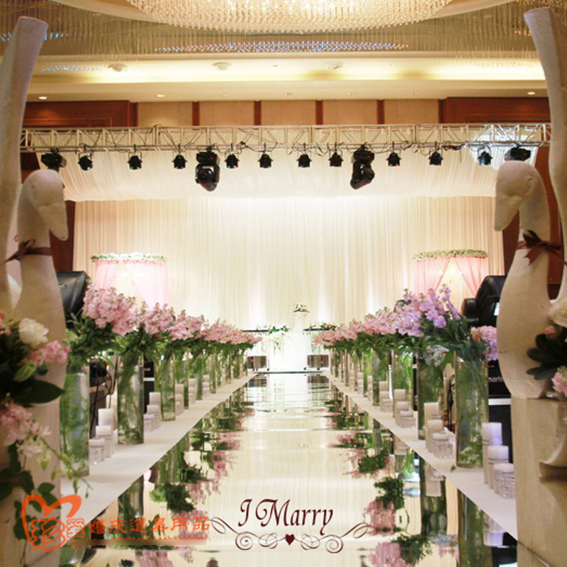 Aisle Runner For Wedding.Us 77 35 9 Off Exellent Quality 33ft 1m Double Face Silver Wedding Mirror Carpet Wedding Carpet Runner Wedding Aisle Runner Event Decoration In
