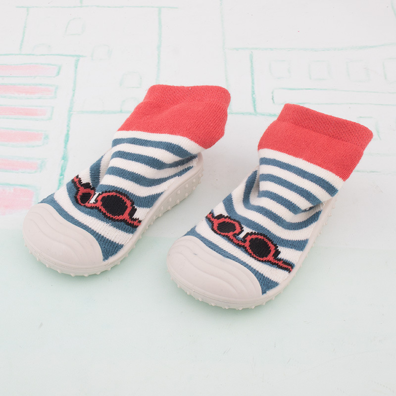Купить с кэшбэком 2018 autumn new non-slip boys and girls baby toddler shoes cartoon low to help soft sole shoes direct sales