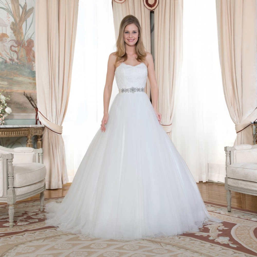 white tulle sweetheart dream dress bridal ball gown princess style wedding dresses appliques with crystal belt chapel train in wedding dresses from weddings