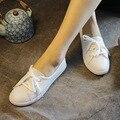Скидка 2017 Весна Женщин Белый Квартиры Продажа Натуральная Кожа Девушки Белый Повседневная Обувь Ручной Работы Женщин Зашнуровать Обувь