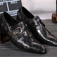 2017 New Young Men Genuine Leather Pointed Toe Slip On Buckle Fashion Snake Suite Business Dress