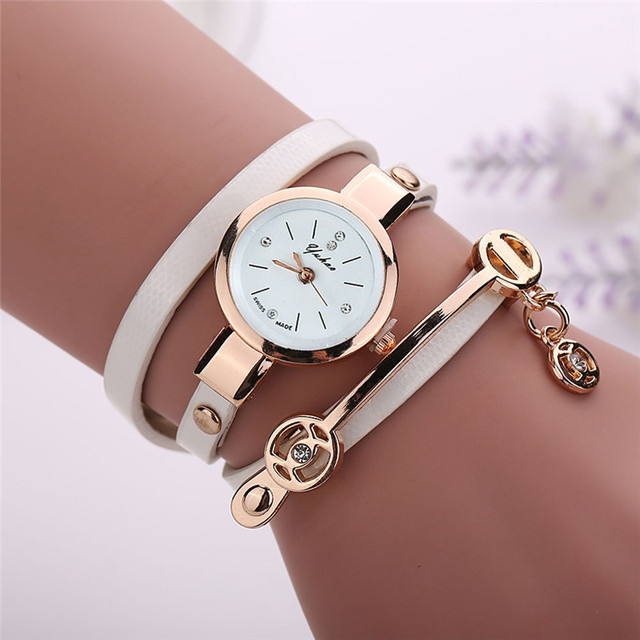 Superior New Hot Selling Women Metal Faux Leather Strap Lady Wrist Watch Fashion