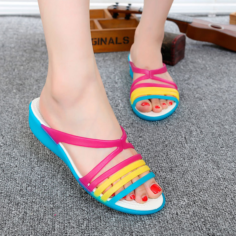 Women Sandals 2018 New Summer Candy Color Women Shoes Rainbow Croc Jelly Shoes women Flats Fashion Women Flip Flop Beach Shoes free shipping candy color jelly sandals new plastic chain beach shoes chain flat bottomed out sandals lace up chains women shoes