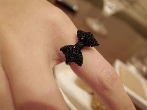 Chaud commerce européen et américain rétro 17mm taille mode noir anneaux de mode chaude