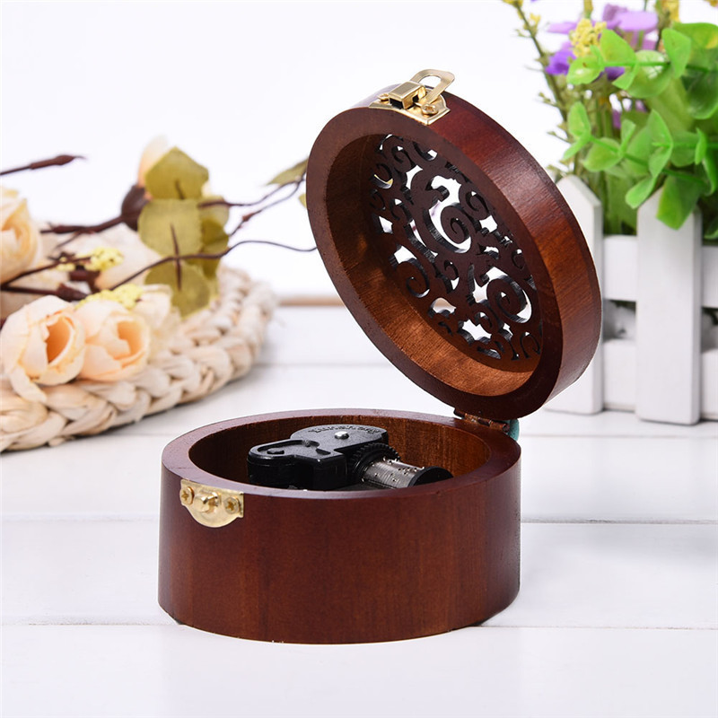 Round Wood Case Music Box Simple Vintage Design Wooden Clockwork Music Box Kid New Year Gift Decorations For Home