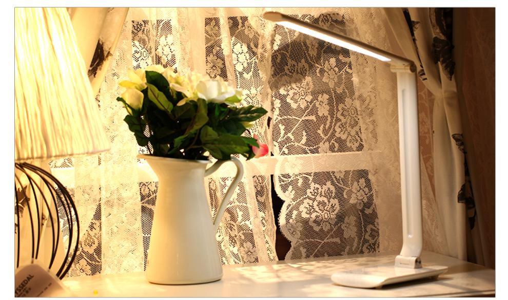 Paindlik laualamp LED tuledega