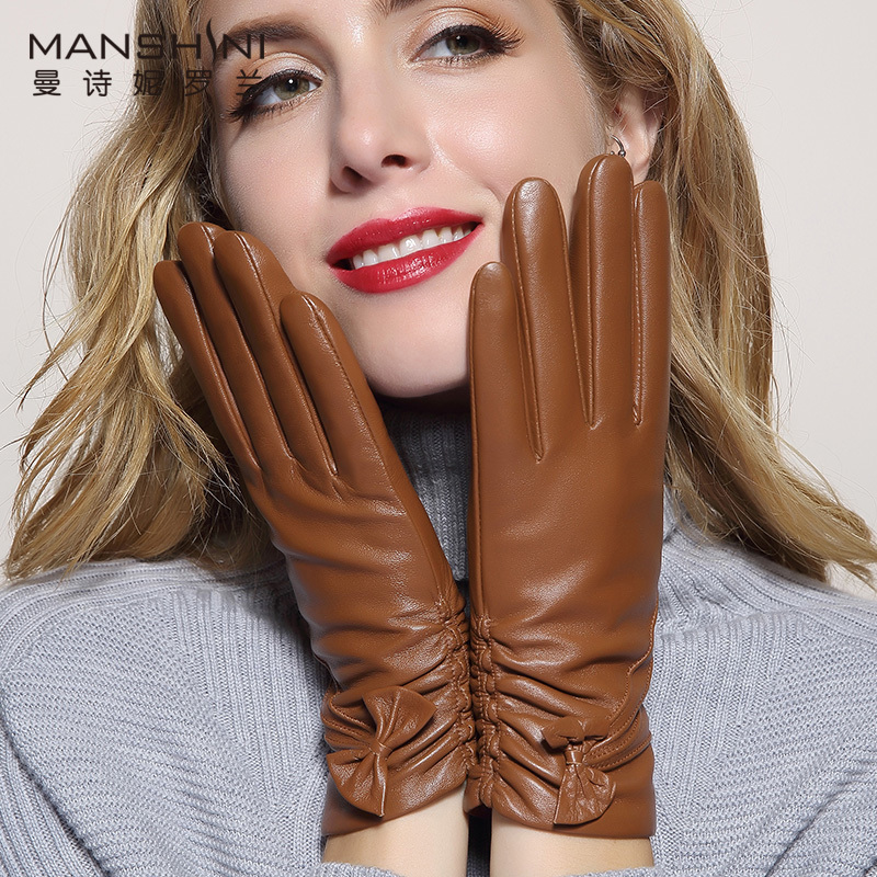 2018 Woman winter thick keep warm touch screen gloves sheepskin winter women 39 s genuine leather telefingers gloves MLZ032 in Women 39 s Gloves from Apparel Accessories