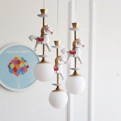 Bande dessinée créative carrousel suspension lampe garçons et filles chambre nordique Simple LED couleur Animal unique tête suspension lampe