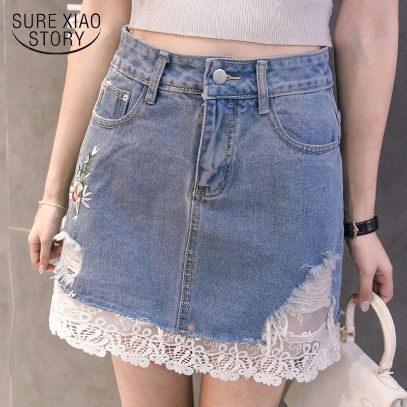 01a075d9ee 2019 primavera y verano de costura de encaje de las mujeres del bordado  falda una línea azul Jeans medio-longitud faldas cortas bolsillos falda  2167 50