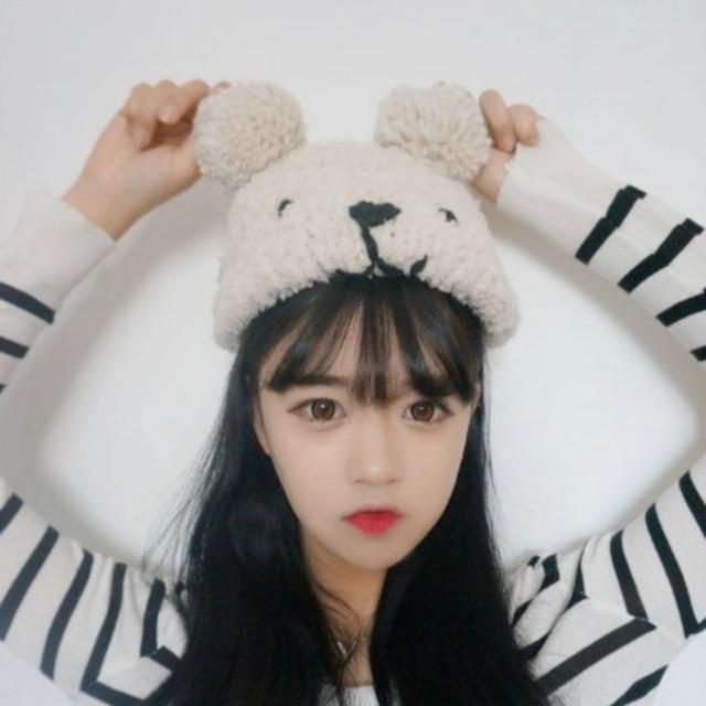 Kesebi 2018 nueva moda Otoño Invierno Caliente mujeres coreano bordado oso  skullies beanies hembra que hace 969ede18221