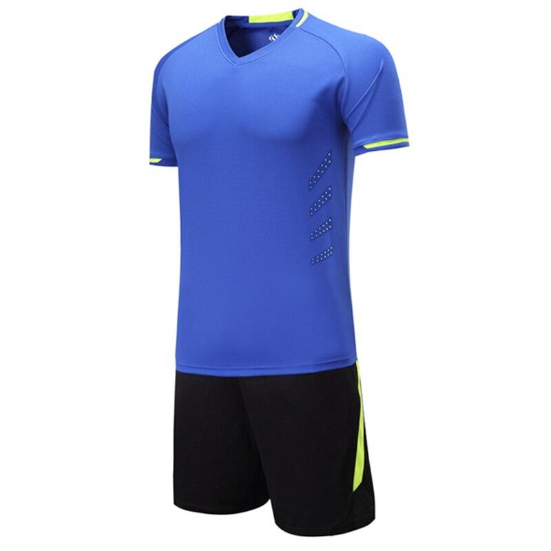 2017 nueva llegada V collar hombres camisetas de fútbol conjunto blanco  equipo de fútbol entrenamiento traje de malla transpirable bolsillos cortos  ... 4e6ea726aab39