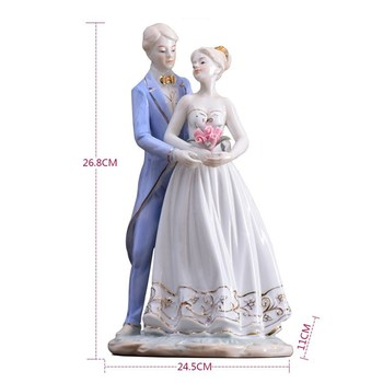 European Porcelain Couple Sculpture Ceramic Nobility Statue Lovers Gift Craft Ornament for Home Decor and Art Collection L3175