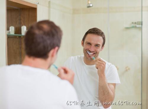 刷牙干呕的原因 避免这5种情况就不会干呕了