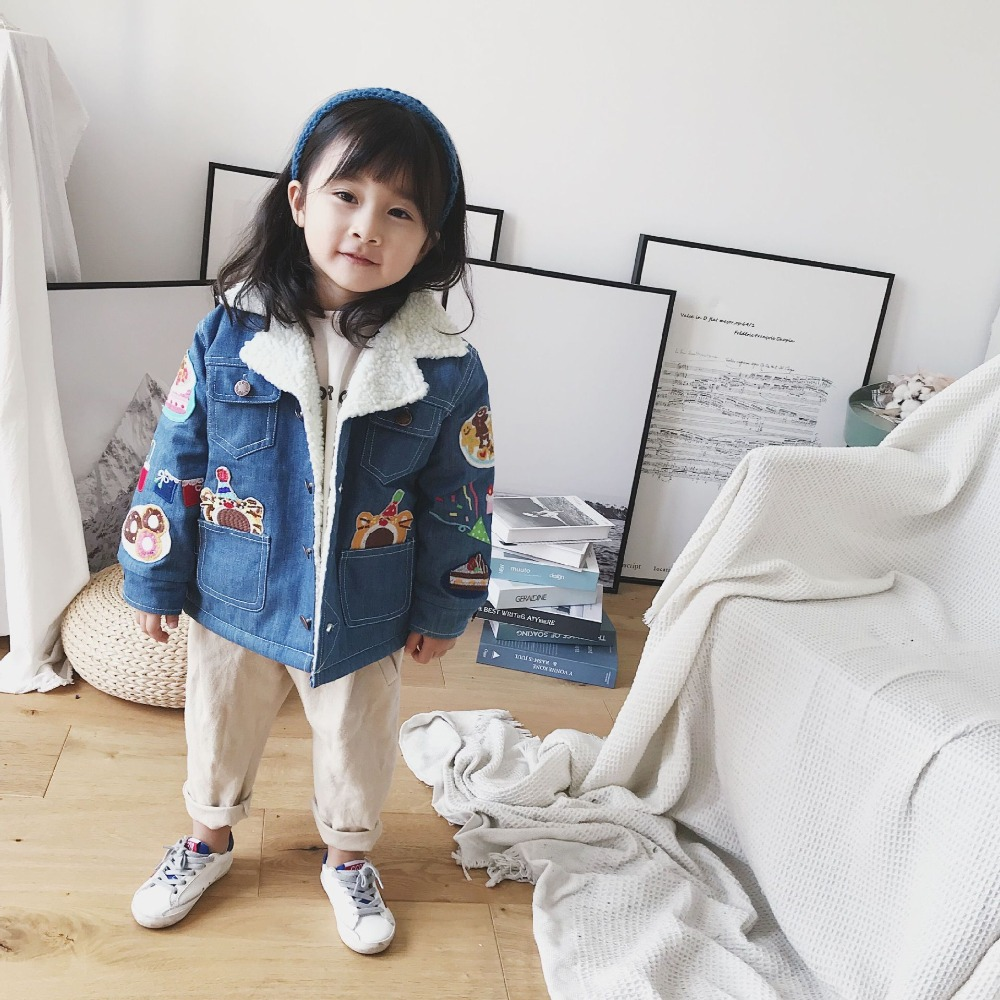 цена Kids jacket denim jacket fleece lining fashion baby girls boys embroidered cartoon character pattern children 's outwear