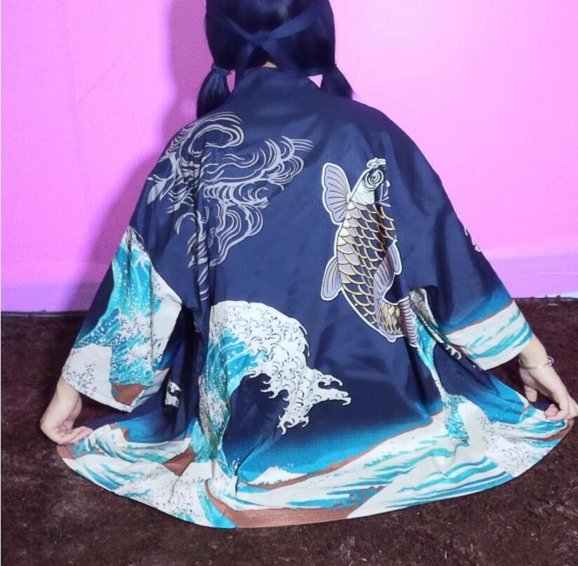 Printemps et d'été nouveau style de kimono vague impression poissons cardigan chemise