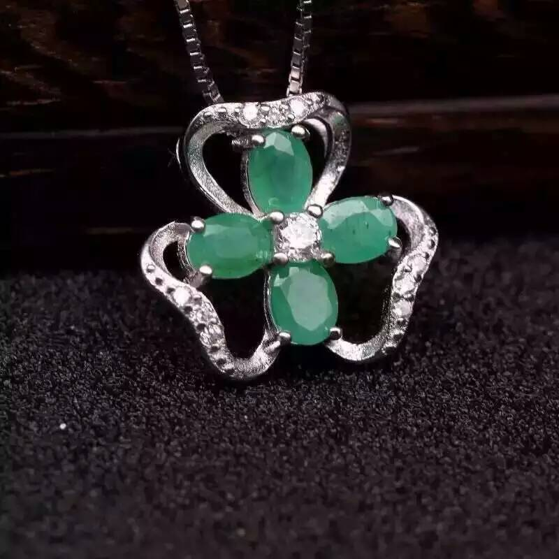 все цены на natural green emerald pendant S925 Sterling silver Natural gemstone Pendant Necklace trendy love Clover women girl party jewelry