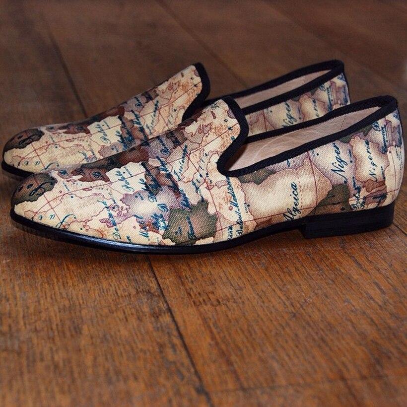 US $106.92 34% OFF|Jeder Schuh handwerk männer stoff schuhe mit globus druck Britischen design männer rauchen hausschuhe männer freizeitschuhe Party