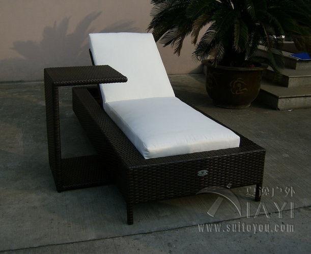 2pcs rattan sun lounger set folding Beach Lounge Chair , Outdoor Garden Wicker Chaise Lounge transport by sea brown wicker outdoor lounge chair set with corner table sale