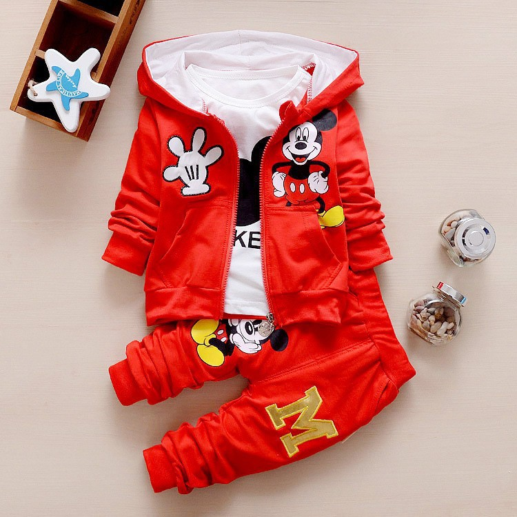 цены на New children Kids Boys Clothing Mickey Set boy 2017 Autumn Winter 3 Piece Sets Hooded Coat Suits Fall Cotton Baby Boys Clothes в интернет-магазинах