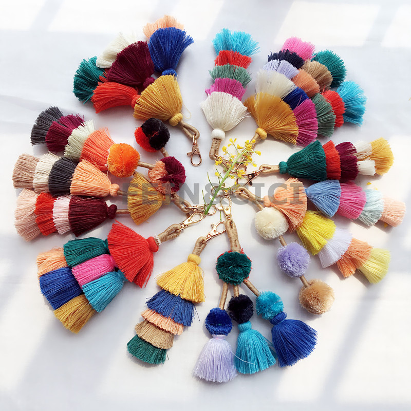 colorful pom pom tassels Boho Bag Accessories ornament beach straw bag handbag wallet purse key chain 2018 summer fashion straw clutch bag with pom pom