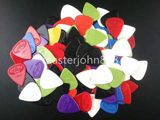 Много 100 шт Алиса красочные проекции нейлон Электрические/Медиаторы для акустической гитары 6 толщина ассорти оптовая продажа Бесплатная доставка