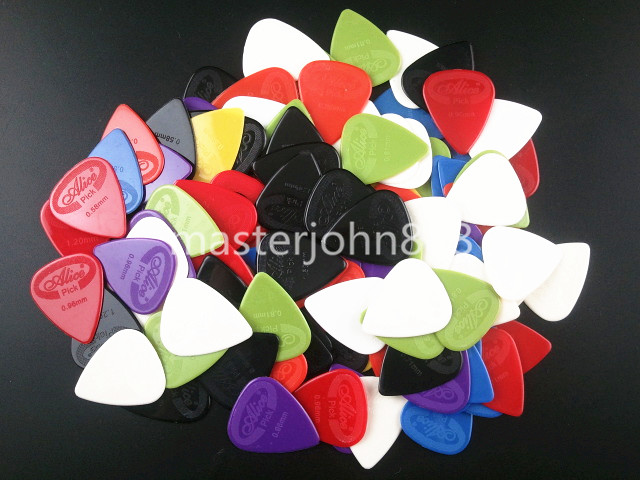 где купить Lots of 100pcs Alice Colorful Projecting Nylon Electric/Acoustic Guitar Picks 6 Thickness Assorted Wholesales Free Shippng дешево