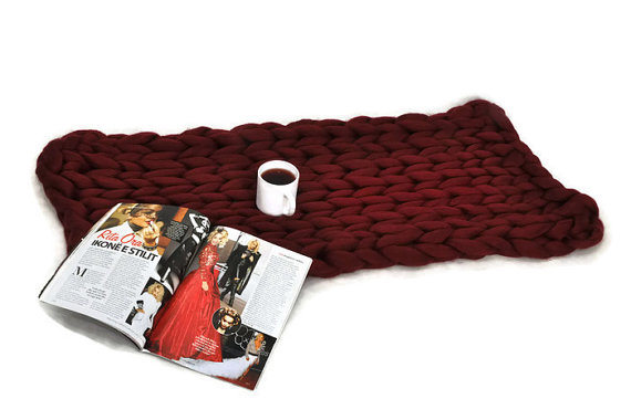 Chunky knit blanket, cozy blanket, giant knit blanket, red wine color Size: 44x62 inches (112x158 cm) 12l car refrigerator portable pig semen thermostat machine mini household livestock refrigerator 12l4