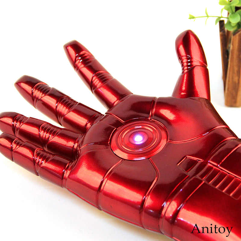 How to make Iron Man's Hulkbuster hand from cardboard\LEDs\Night ... | 800x800