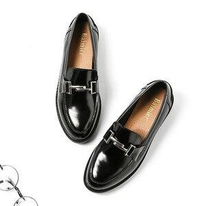 Image 2 - 2019 Metalen Gesp Decoratie Oxford Schoenen Vrouw Lakleer Mocassins Flats Dames Meisjes Casual Loafers Espadrilles Klimplanten