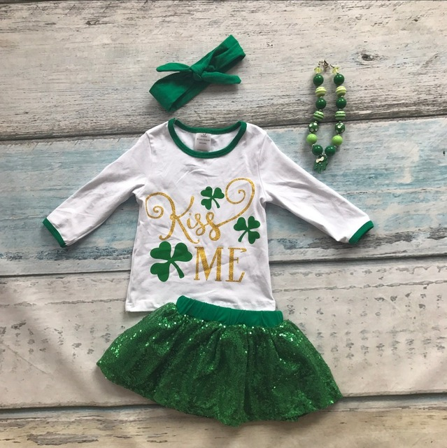 new arrival baby girls Kiss Me St Patrick's Day clothing girls Shamrock outfits children top with skirts with accessoreis