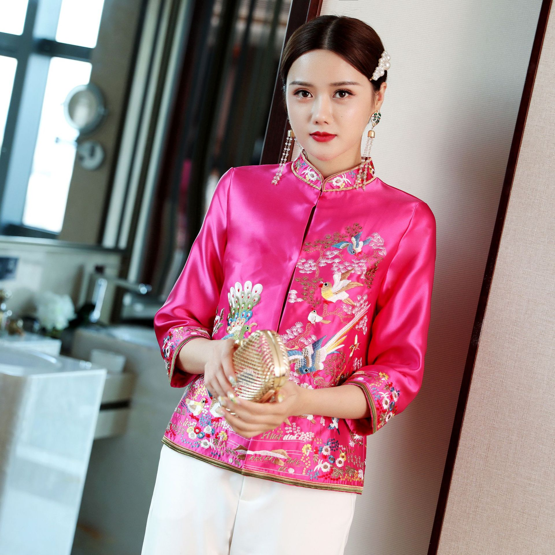 2019 new retro embroidery Chinese cheongsam traditional tops for women