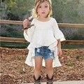 О-образным вырезом 2016 Горячий Стиль Baby Clothing Девушки Модные Ласточкин Хвост Вязать Белые Хлопчатобумажные Рубашки Из Девушек