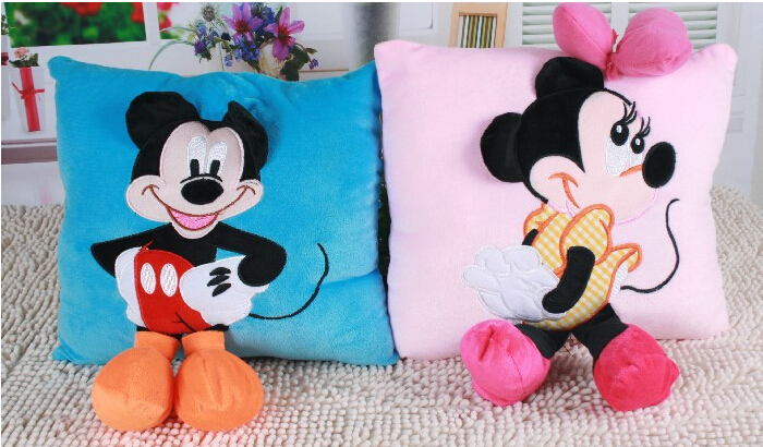 Hot Sale Staffed Animal Pillow Cushion Cute Mickey Mouse and Minnie Mouse Plush Toys Gifts for KIds Girls