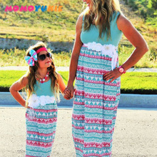 цены на 2018 Mommy and me family matching mother daughter dresses clothes striped mom and daughter dress kids parent child outfits  в интернет-магазинах
