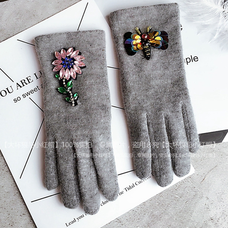 Women Winter Gloves Colorful Crystal Flower With Sequins Bee Wool Gloves  Cashmere Brand Gloves Mittens Women