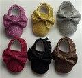 Nova glitter crianças Mocassins De Couro Do Bebê PU Sapatos de bling arco fundo macio bebe infantil da criança das meninas dos meninos Primeiro Caminhantes franja sapatos