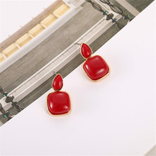 Earrings female fashion and personality temperament of red earrings earrings geometry contracted fashion jewelry wholesale цена