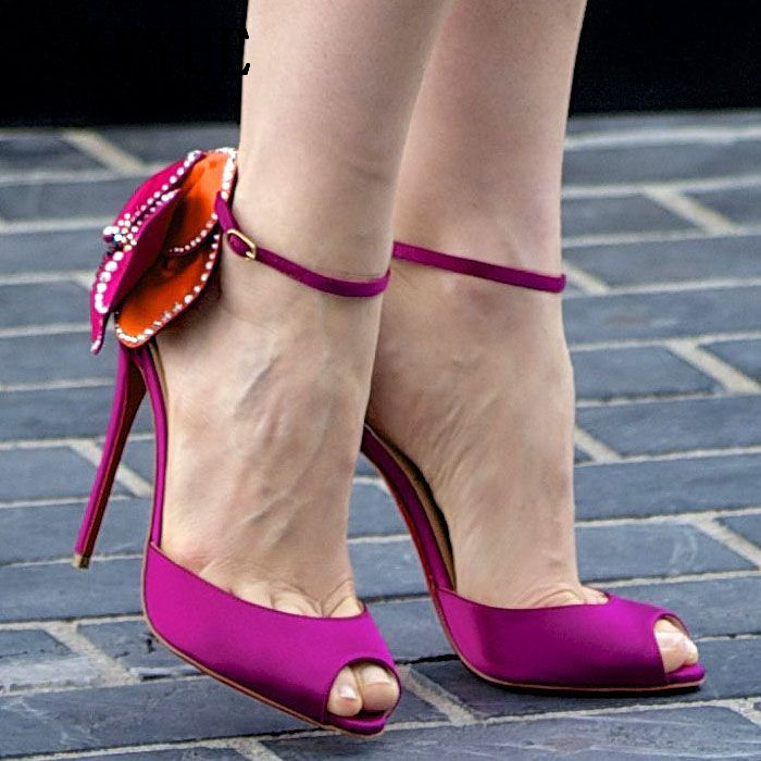 2018 New Black/Pink Satin Floral Embellishment Thin HIgh Heel Sandals Sexy Open Toe Women Pumps Shoes Women 2018 new genuine leather printed floral super high heels chunky heel women sandals sexy open toe women pumps dress shoes