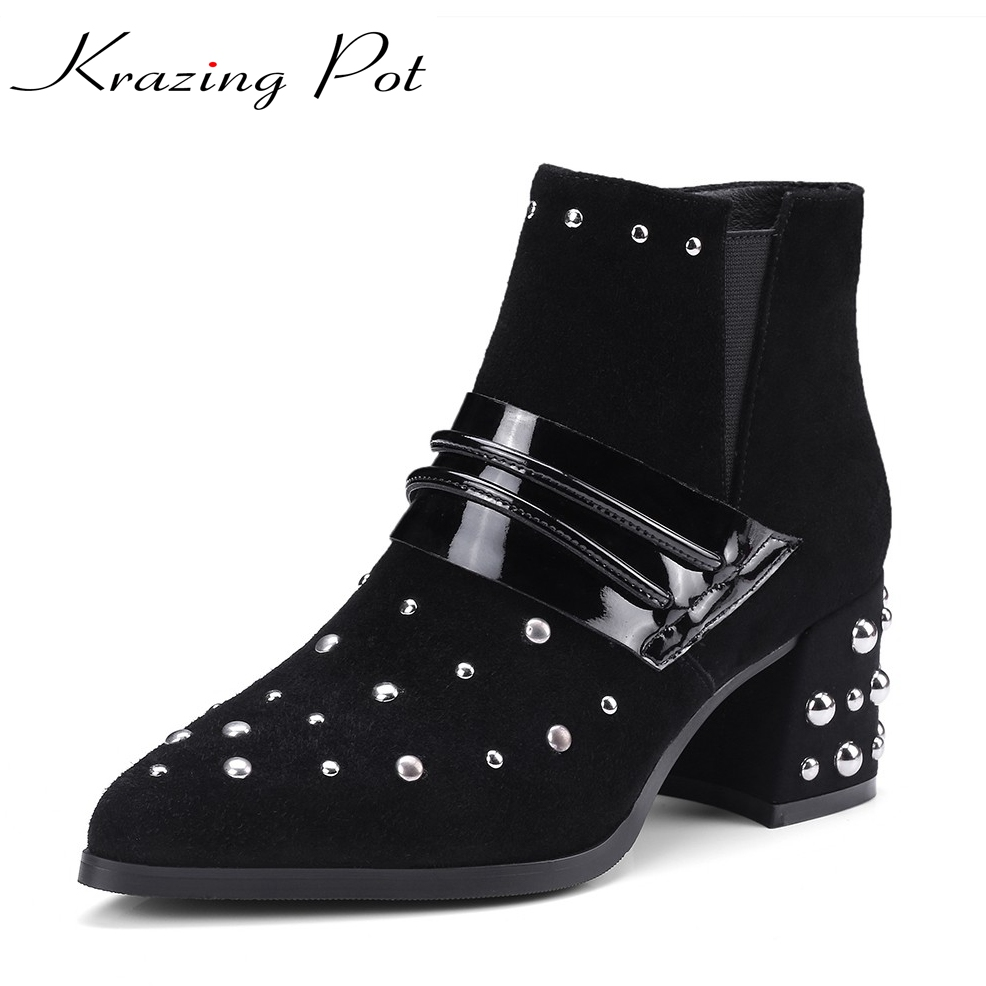 Krazing Pot 2018 sheep suede rivets metal buckle slip on Korean style black high heels pointed toe women fashion ankle boots L08 krazing pot shallow sheep suede metal buckle thick high heels pointed toe pumps princess style solid office lady work shoes l05