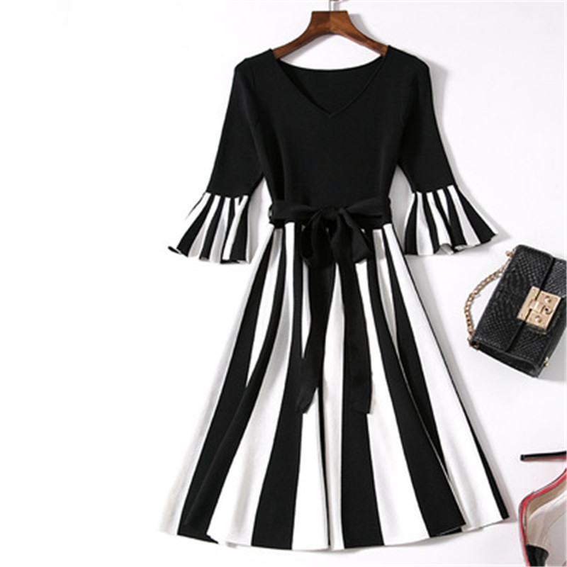 Fashion knitted dress European and American style 2018 Autumn and Winter A word European and American