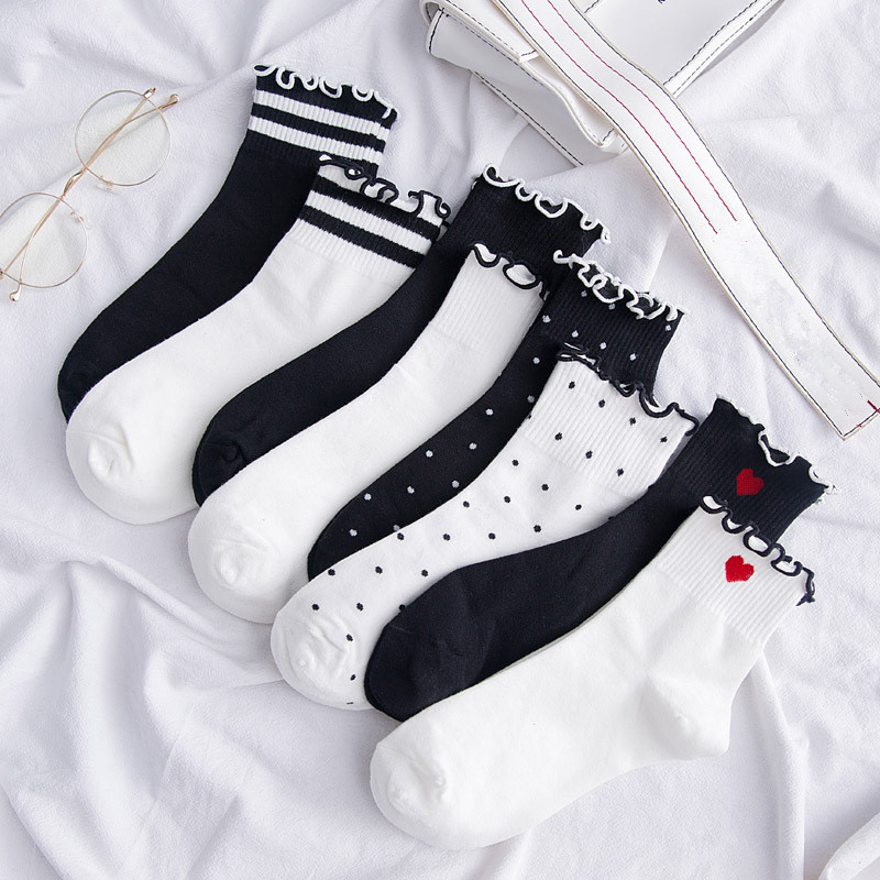 1Pair 2018 New Women Girl Short Socks Cotton Lace Lovely Frilly High Quality Winter Autumn Christmas Socks