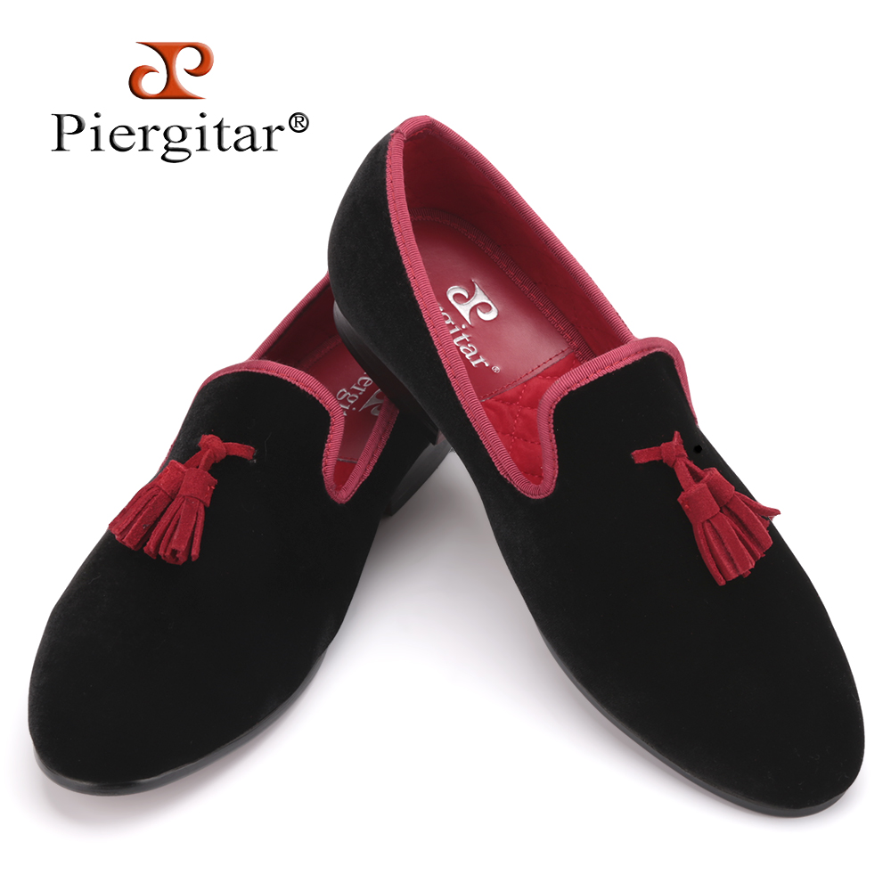 Red and Black Leather Tassel Men shoes Men's Party Wedding Shoes Men velvet loafers Men's Flats shoes Size US 4-17 Free sipping men loafers paint and rivet design simple eye catching is your good choice in party time wedding and party shoes men flats