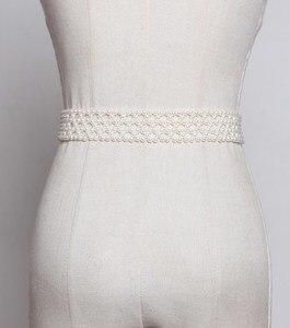 Image 3 - SeeBeautiful 새로운 패션 2020 여름 가을 남자 만든 화이트 진주 짠 중공업 와이드 벨트 스퀘어 핀 버클 거들 여성 A063