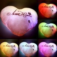 Śliczne 45*40 CM Nadziewane Zabawka Pluszowa Serce LED Kolorowe Poduszki Muzyka Walentynki Prezent 2018 Nowa Sprzedaż