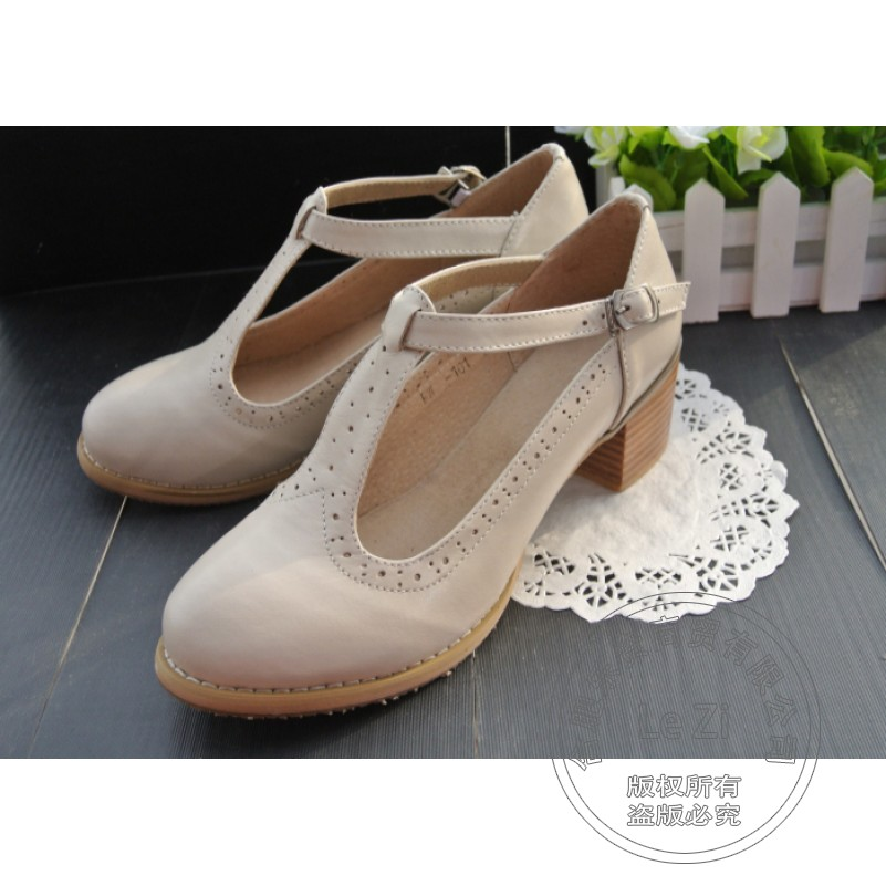ФОТО Plain Cowhide Footwear Small Fresh Sweet Square Heel T-Shaped Buckle Retro Vintage Shoes Women China Round Toe Cement Clasp