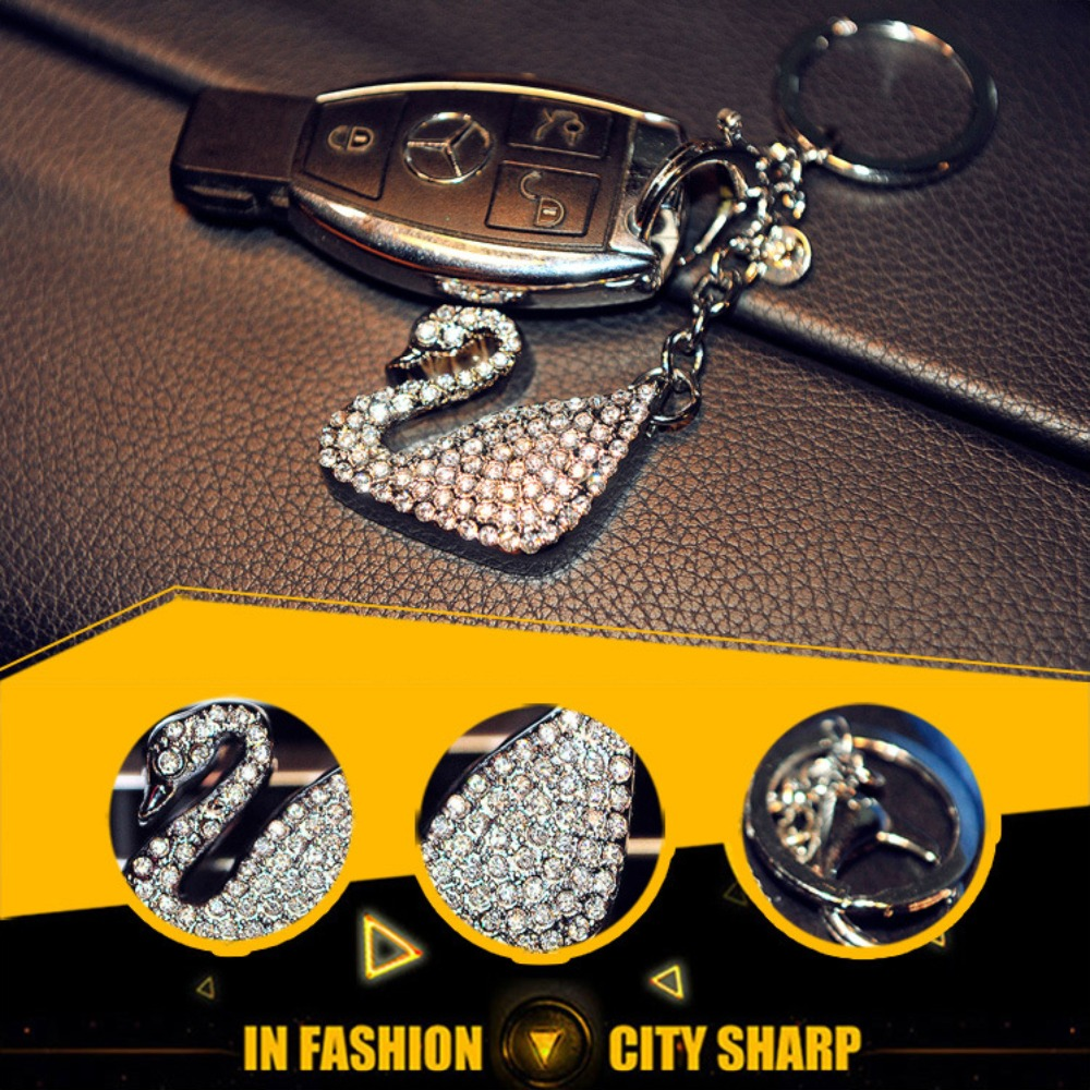 High-end cute diamond swan car keychain for the public BMW Mercedes Benz Audi car pendant female Wholesale and reta