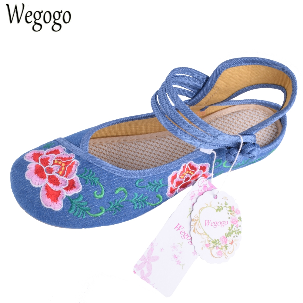 Chinese Embroidery Women Flats Old Beijing Embroidered Canvas Floral Shoes Traditional  Dance Single Ballet Flats Shoes Sandals women flats summer new old beijing embroidery shoes chinese national embroidered canvas soft women s singles dance ballet shoes