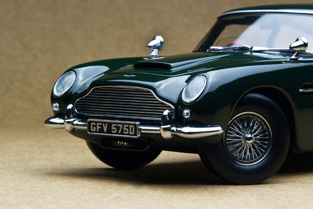 Sun Star 1:18 1963 DB5 British Green classic sports car model Retro classic cars Favorites Model